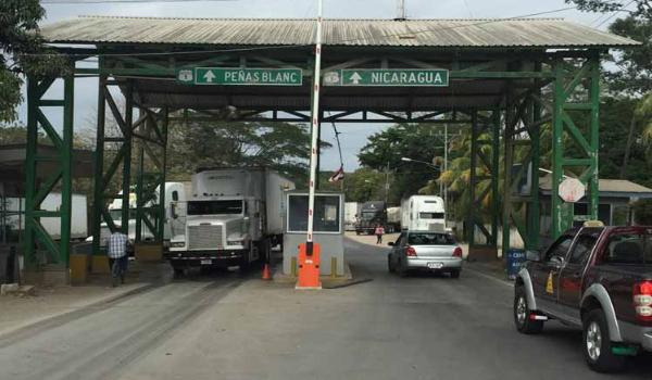 """Costa Rica acusa a Nicaragua de ser """"el principal riesgo sanitario"""" y ministro de Seguridad desea un muro en la frontera - NODAL"""