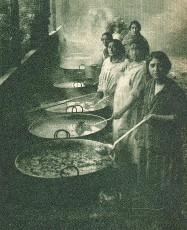 Foto: Ollas comunes, 1932