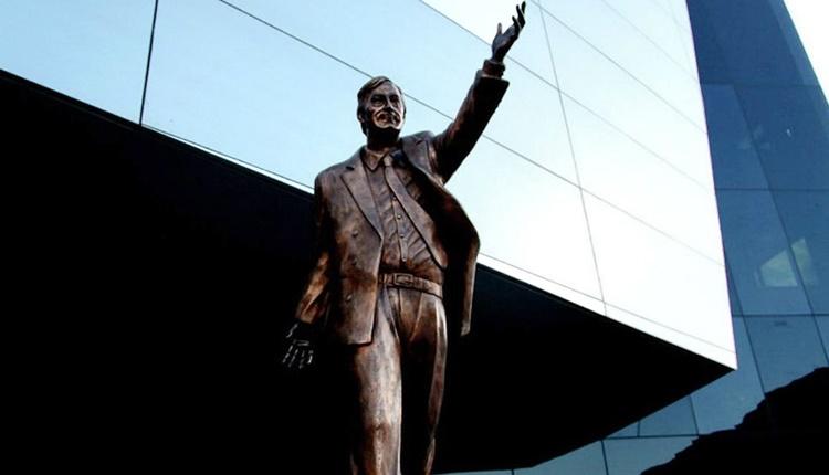 Homenajes a Néstor Kirchner | Estatua, caravanas y mil flores a 10 años de su muerte