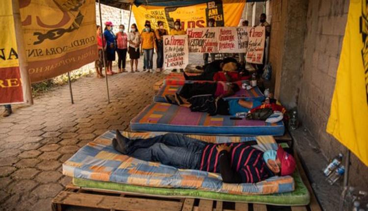 El Salvador | Extrabajadoras textiles cumplen dos semanas de huelga de hambre por despidos