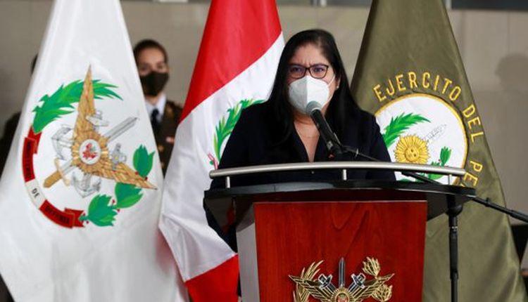 """Ministra de Defensa de Perú sobre carta de exmilitares: """"Un golpe de Estado en este momento en la región es insostenible"""""""